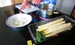 Asparagus soup: silky & soft Belgian yummy