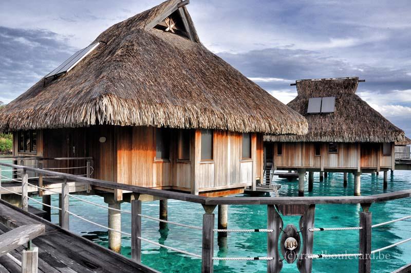 Hilton-borabora-overwaterbungalow