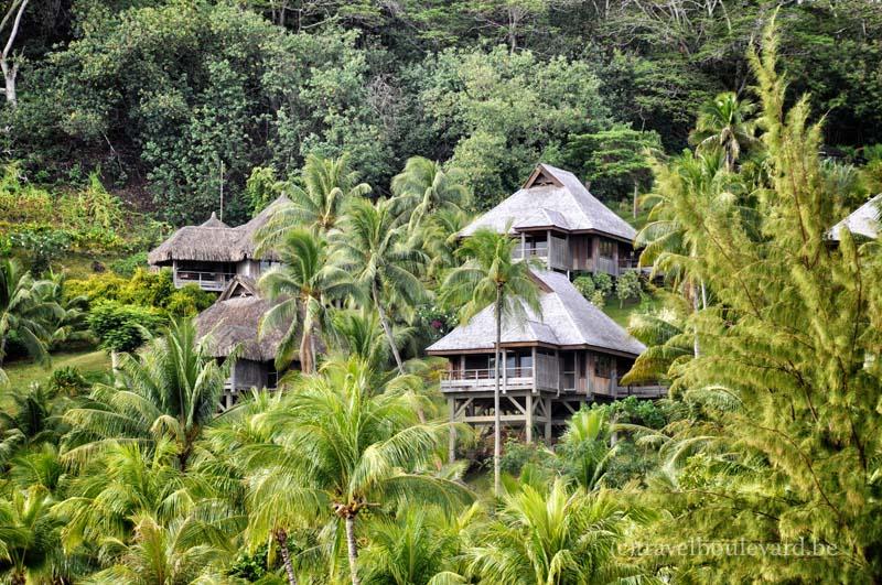 Hilton-BoraBora-gardenvilla