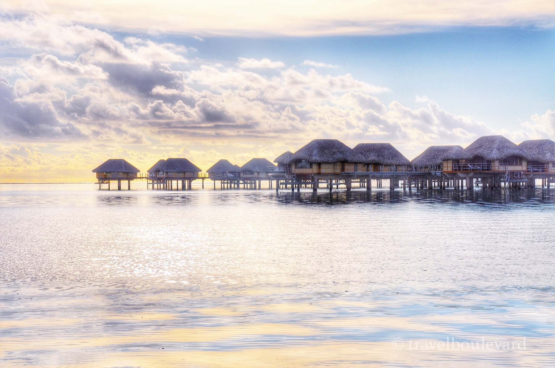 Over water bungalow Taha'a