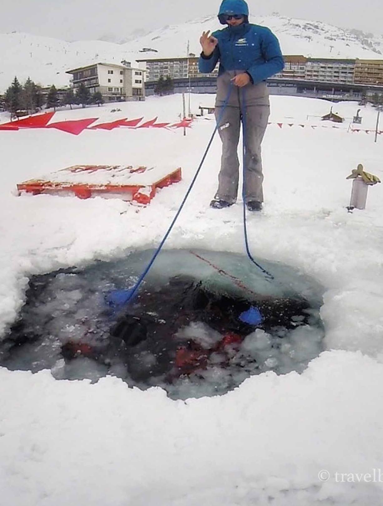 tignes ice diving